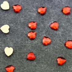 Patrisa Nail, Фигурные стразы «Сердце» 4х5,5 мм, красные, 10 шт.